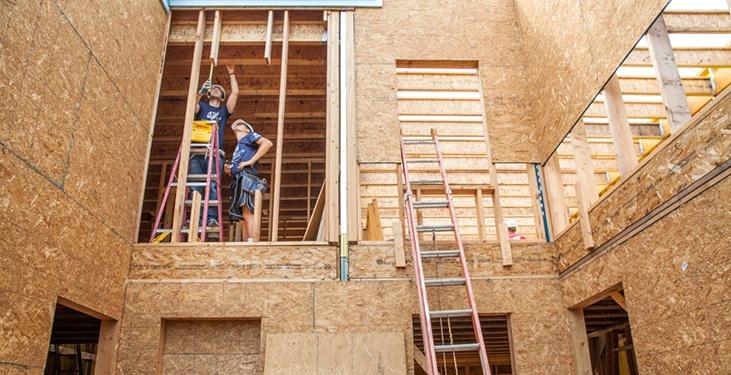 Volunteers-Build-Home.jpg