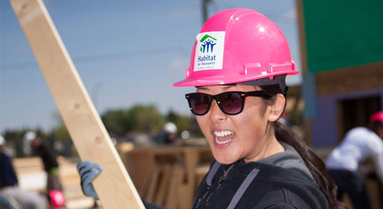 sign up to volunteer with Habitat
