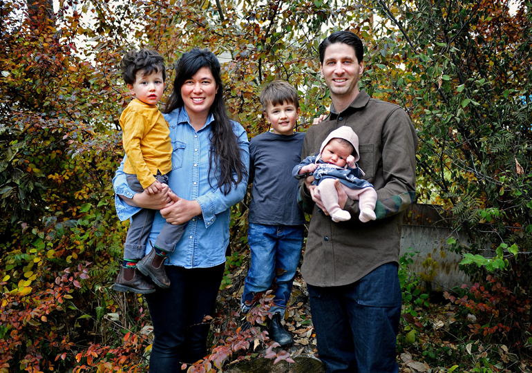 Sarah-and-Jesse-Family-Photo-(770x540)