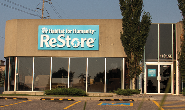ReStore-South-Storefront-370x220-02