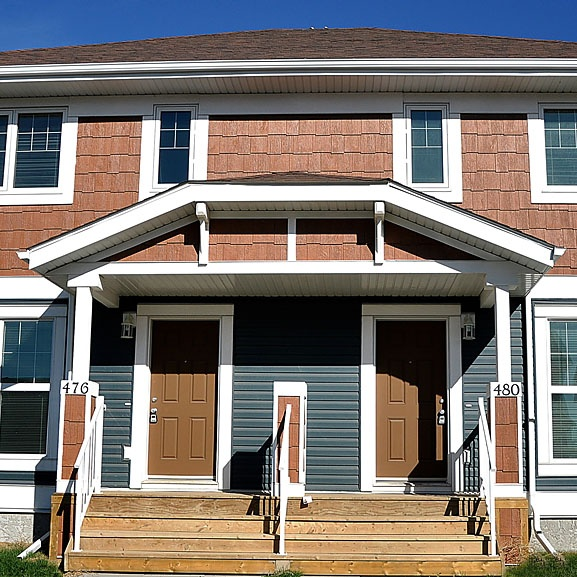 Auburn Bay Thumbnail (240x240).jpg title=